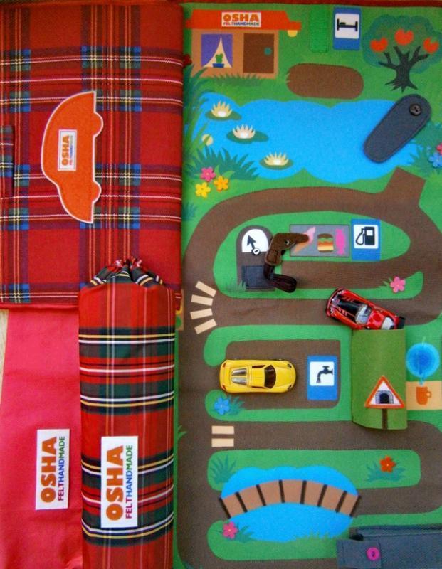 Автомобильный коврик из ткани и фетра