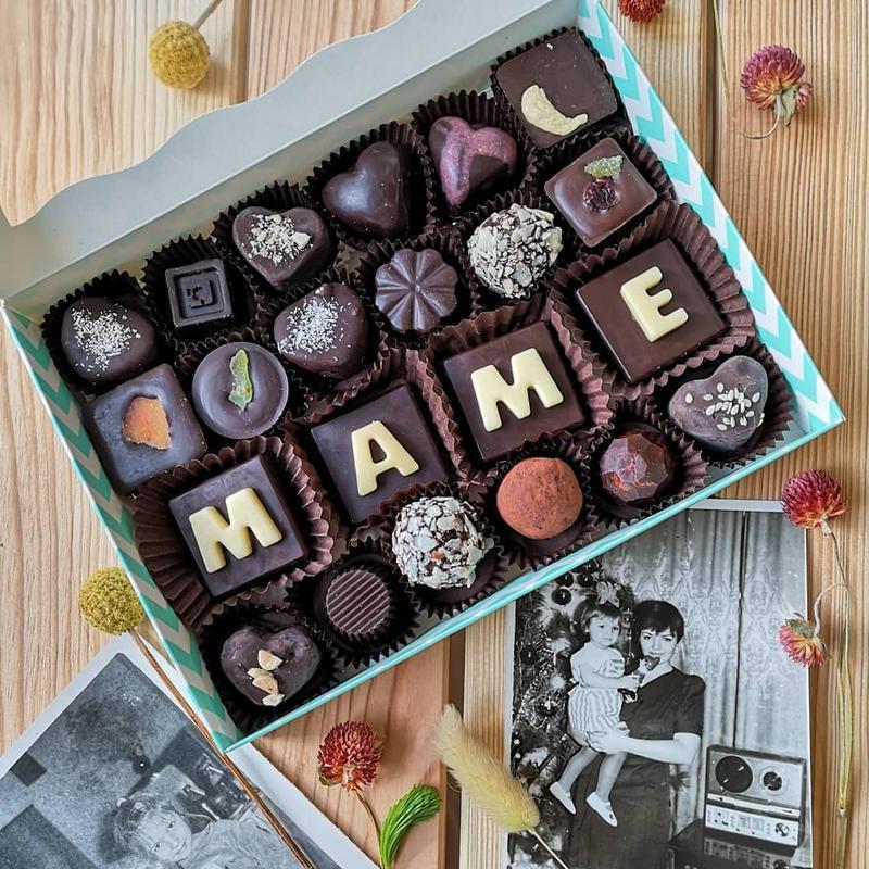 Набор конфет именной TM Afrodiziak 4 шоко-буквы + 18 конфет