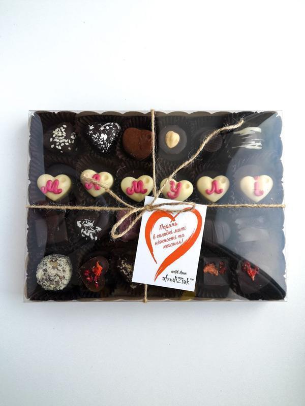 Подарочный набор конфет iak 24 шт
