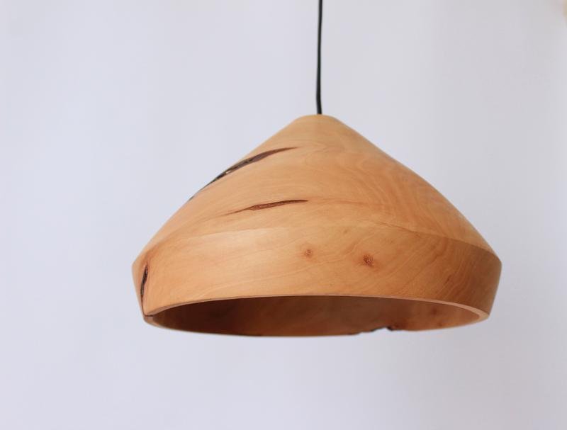 Дизайнерская люстра из дерева