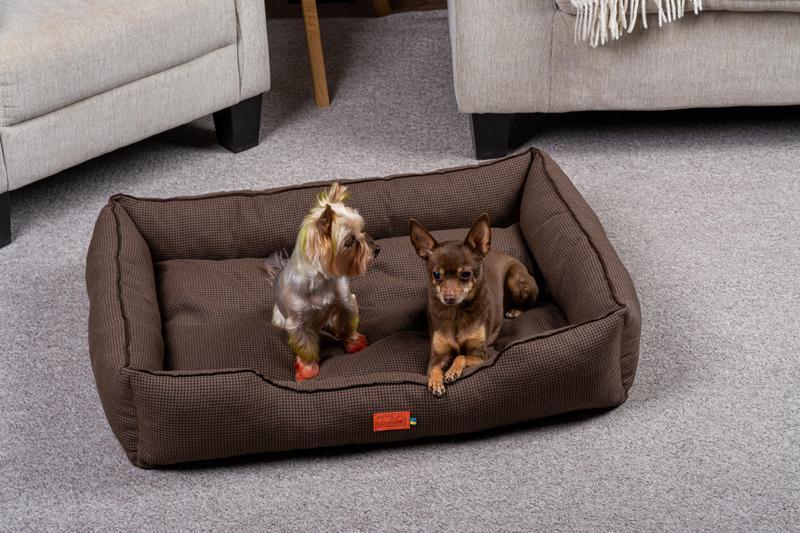 Лежак для собак і кішок Pets Lounge Classic L, коричневий