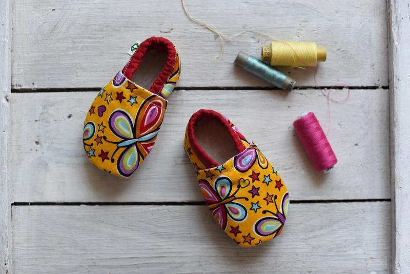 Домашнє взуття для дітей. Розміри  17-35. Метелики ручной работы ... 4eede124086d6