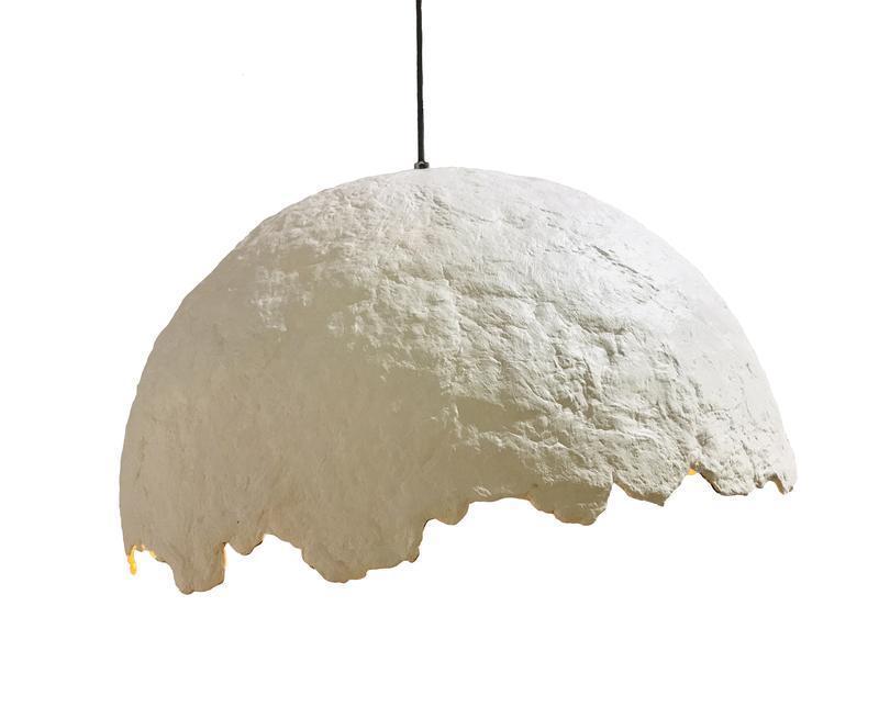 Подвесной светильник из усиленного папье-маше белый/золото P028-21