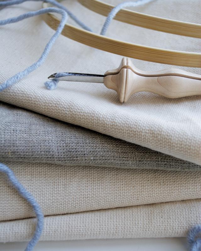 Ткань для ковровой вышивки (ковровая канва)