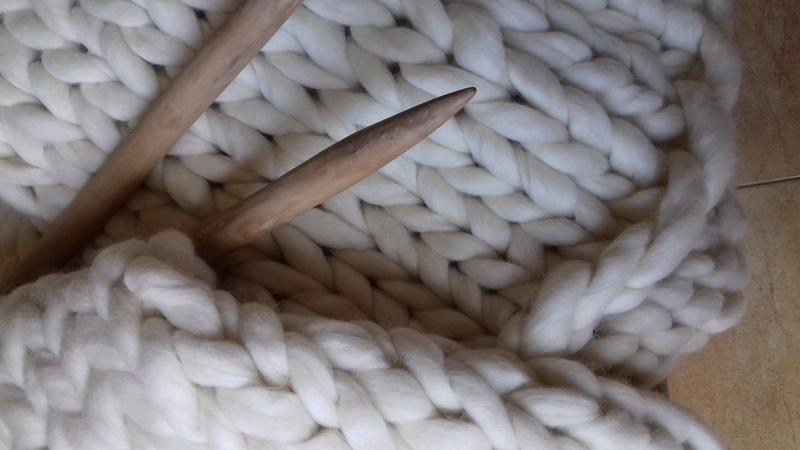 плед вязаный из толстой пряжи шерсти мериноса ручной работы купить в