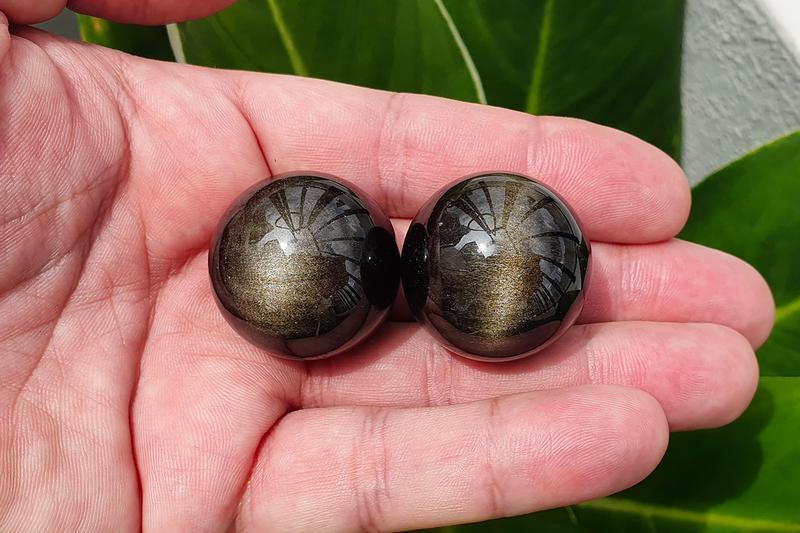 Ожерелье ручной работы из натурального камня обсидиан