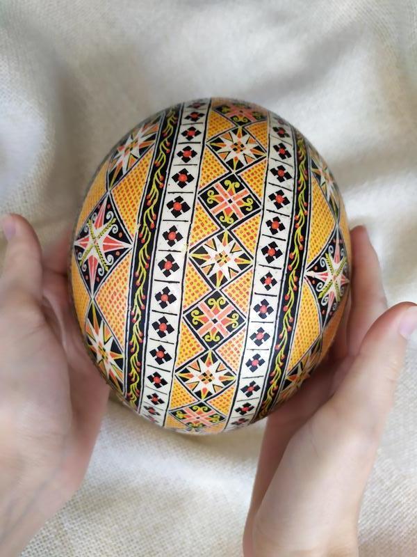 Писанка на страусином яйце