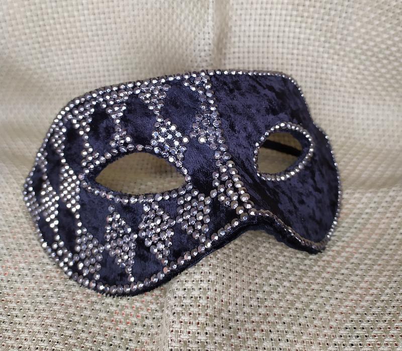Карнавальна маска «Ферзь»