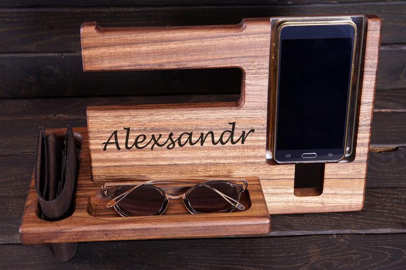 Підставка для смарфону та телефону (оргонайзер), ручної роботи, персоналізована.