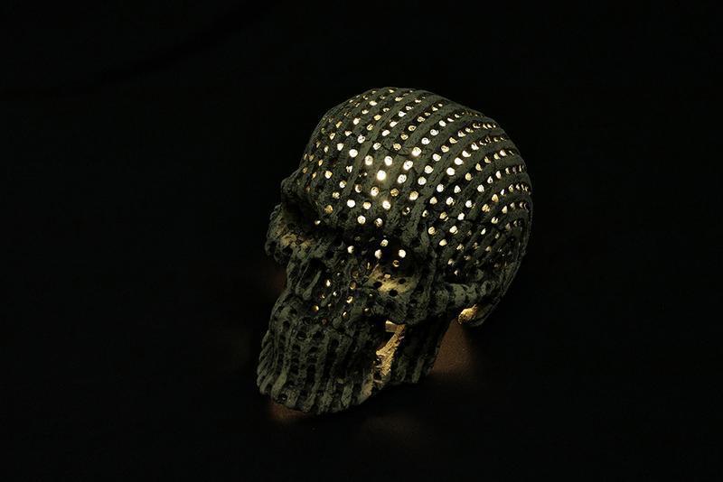 Керамический череп - светильник