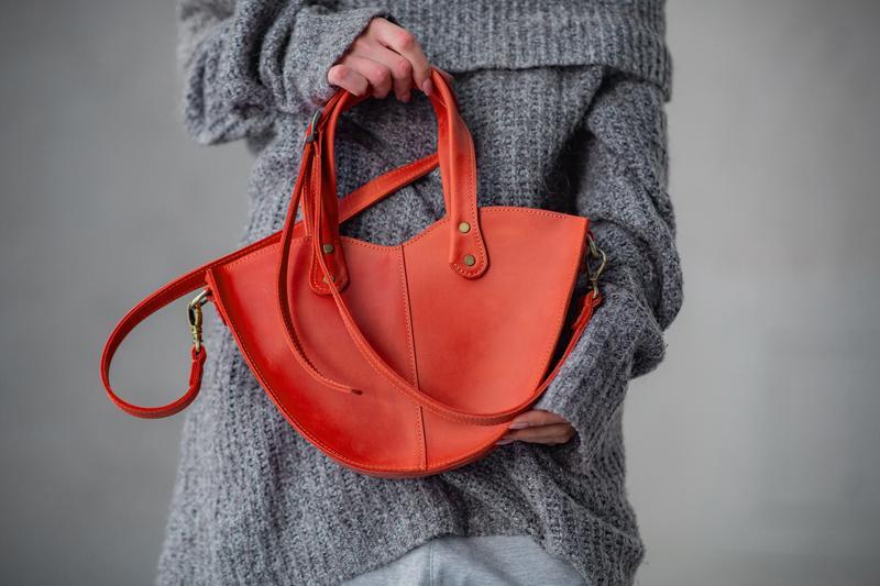 """Красная сумка из натуральной кожи с органайзером """"Love"""""""