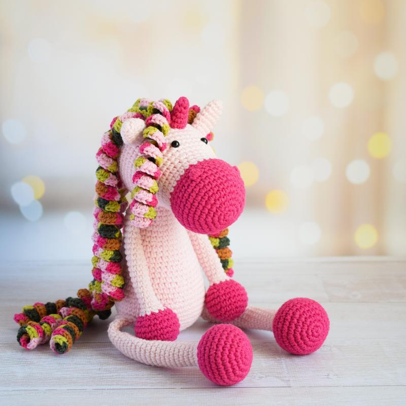 Вязаный единорог. Первая игрушка. Подарок новорожденному. Подарок девочке. Интерьерная игрушка.