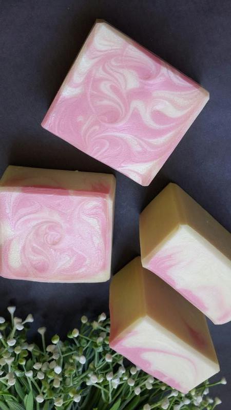 Натуральное мыло с нуля. МАЛИНОВЫЙ КРЕМ (шелковое)