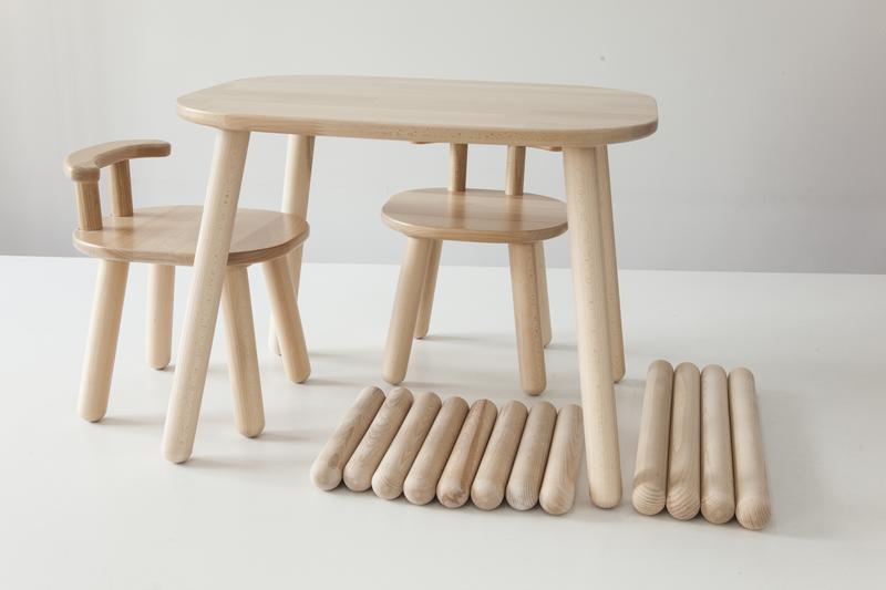 Комплект стол и 2 стула детских 2-4 года с дополнительными ножками, натуральный бук