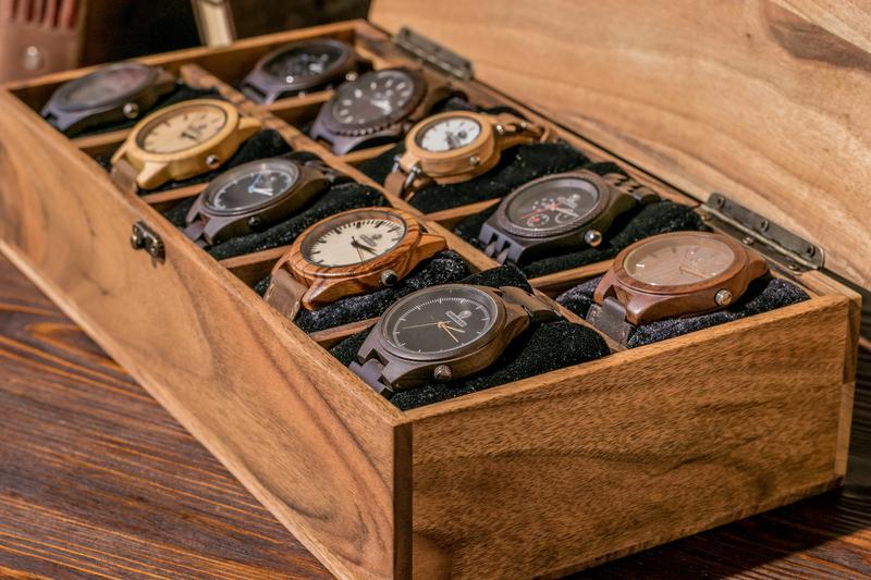 Дерев'яна Коробочка На Десять Секцій Для Наручних Годинників Персоналізований Подарунок На Річницю