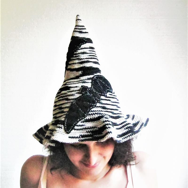 В′язаний гачком капелюх відьми летюча миша до Хеллоувіну