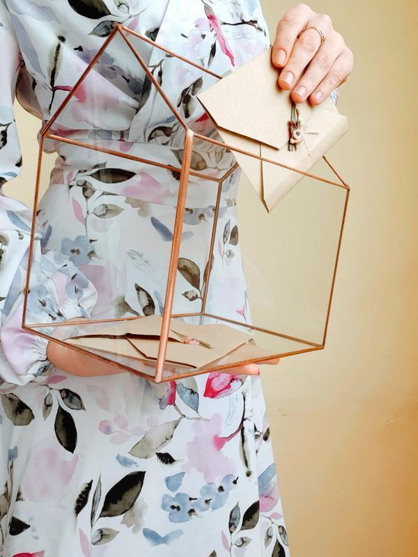 Сундук для конвертов. Стеклянный сундук для конвертов. Казна для конвертов. Коробочка для конвертов.