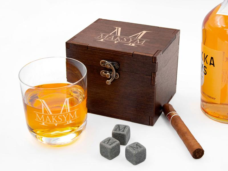 Камни охлаждающие с гравировкой и стакан для виски на заказ
