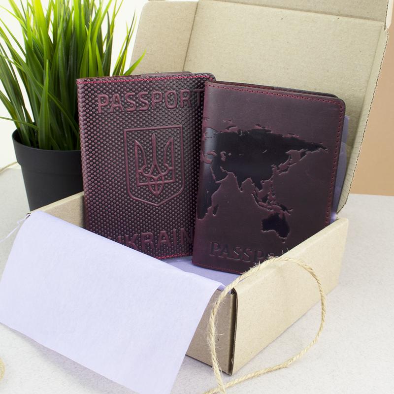 """Подарочный набор №35: обложка на паспорт """"Герб"""" + обложка на загранпаспорт """"Карта"""" (бордовый)"""