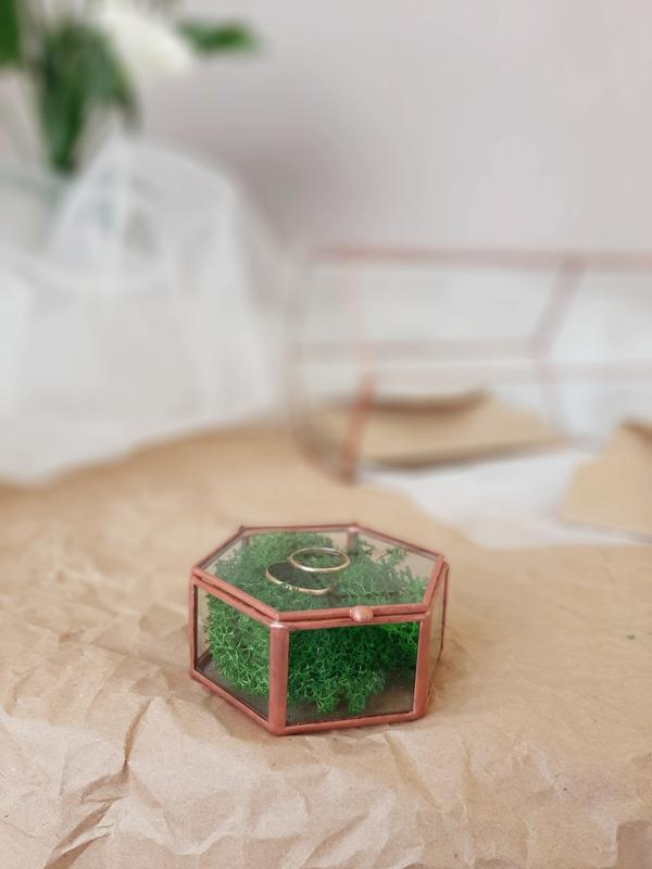 Свадебная шкатулка для обручальных колец. Свадебная шкатулка со мхом. Коробочка для колец.