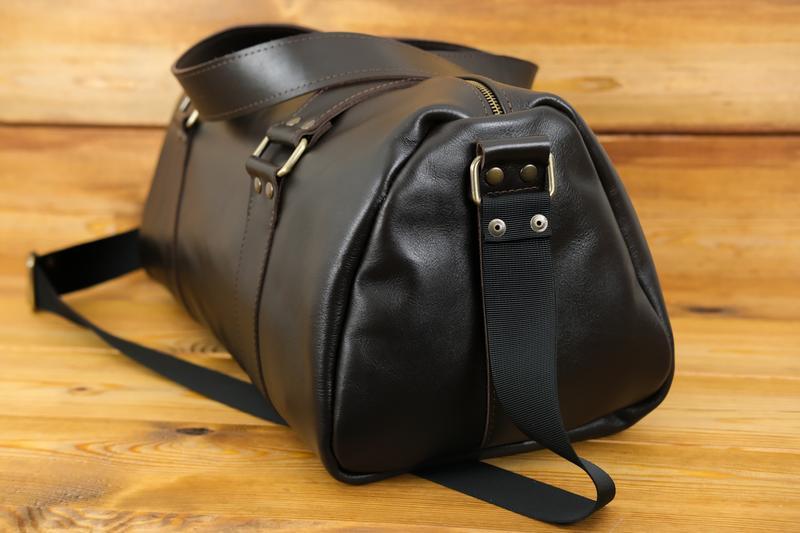 """Кожаная сумка travel """"модель №80"""". гладкая кожа, цвет шоколад"""