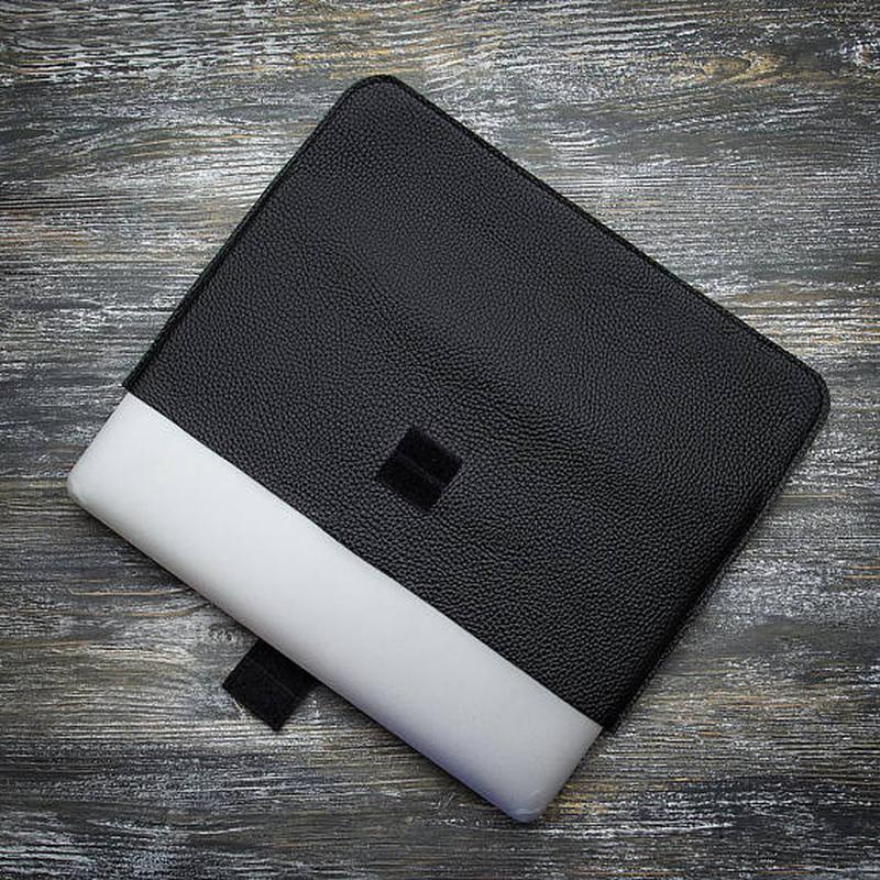 Чорний шкіряний чохол для планшета IPad ноутбук MacBook