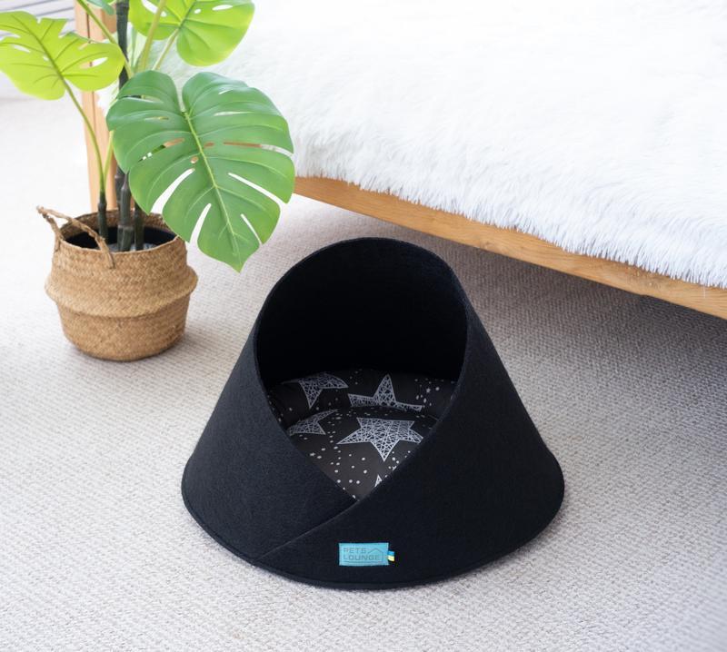 Лежак з повсті для котів і собак Pets Lounge Cave Black, 45 см