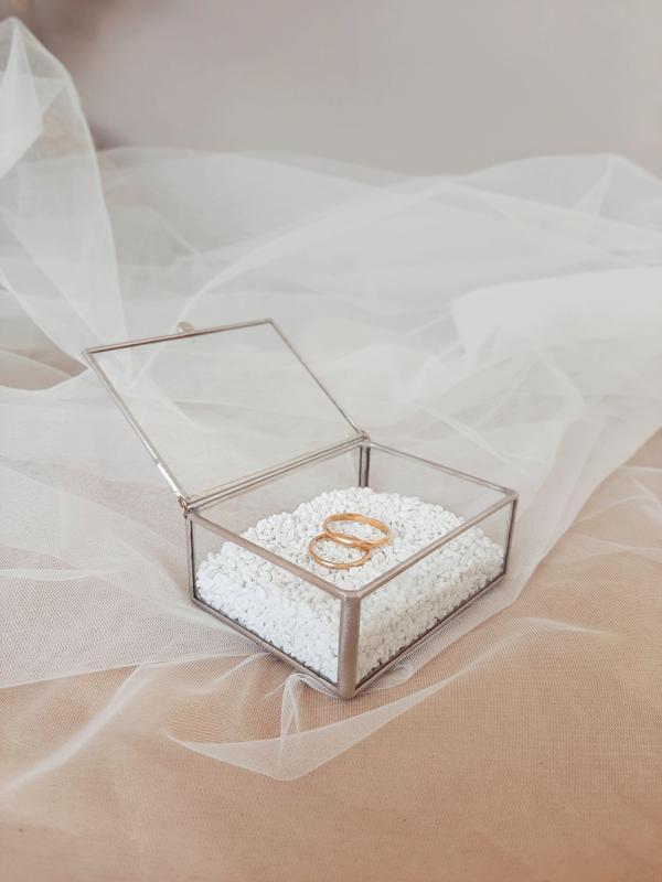 Свадебная шкатулка. Шкатулка для обручальных колец. Коробочка для колец на свадьбу.