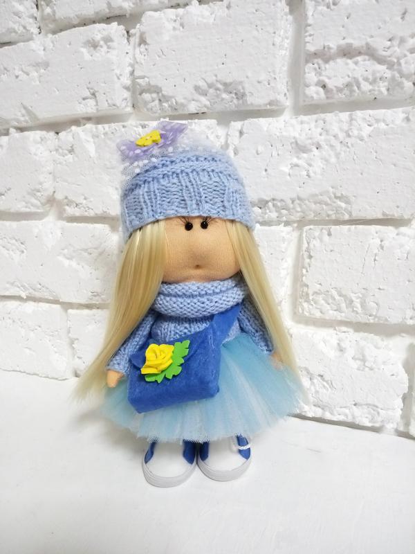 Кукла интерьерная Тильда блондинка в голубом наряде