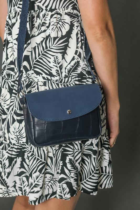 Кожаная женская сумочка Мия, кожа итальянский краст, цвет синий, оттиск №2
