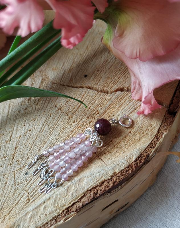 Серебряный кулон, подвеска - кисточка с розовым кварцем и гранатом ′Муза′