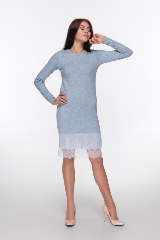 Ангоровое платье с кружевом