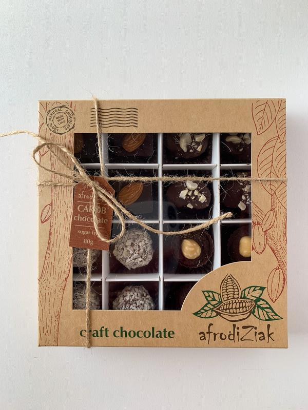 Набор шоколадных конфет на кэробе ручной работы без сахара ТМ Afrodiziak 16 шт