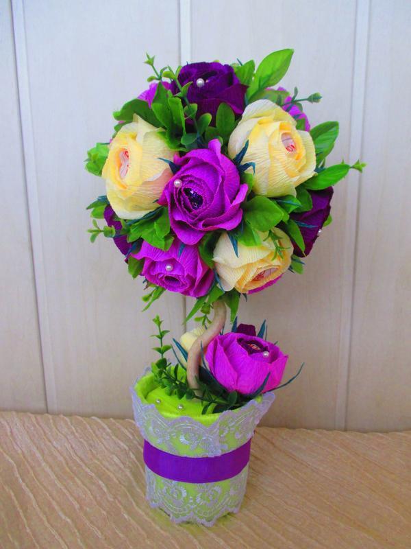 """Букет из конфет """"Топиарий"""" в фиолетовых цветах"""