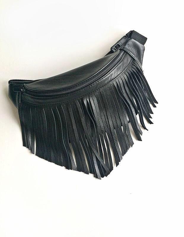 fad5b5b3e204 Бананка,кожаная поясная сумка с бахромой