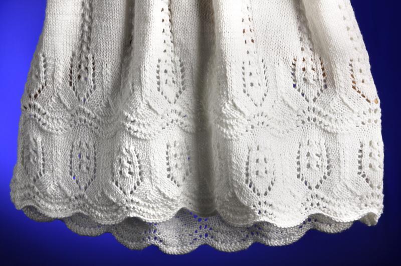 Вязаное крестильное платье