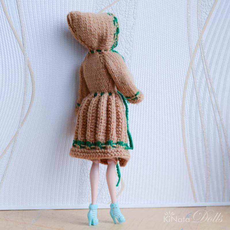 Коричневое пальто для Барби
