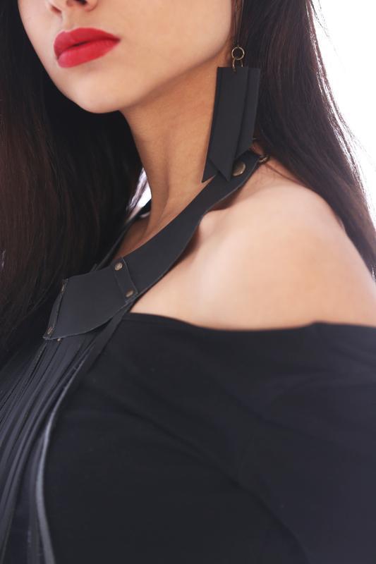 Кожаные черные сережки полоски от мастерской Wild