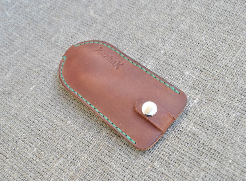 Чехол для ключей из натуральной кожи KL01-210+green