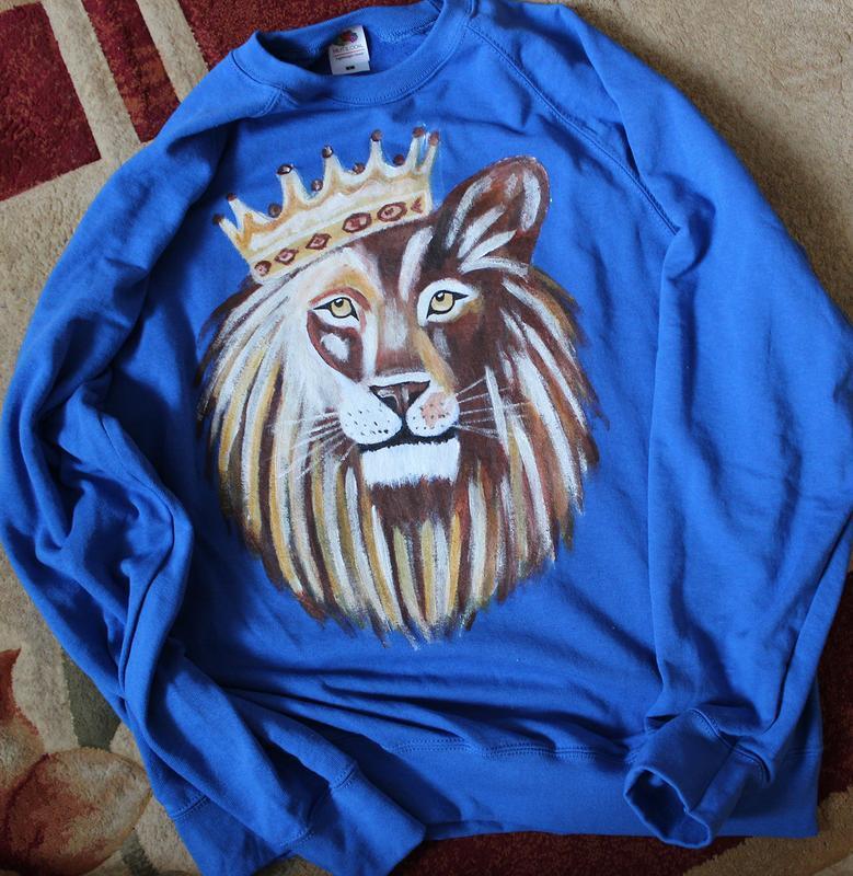 Свитшот лев