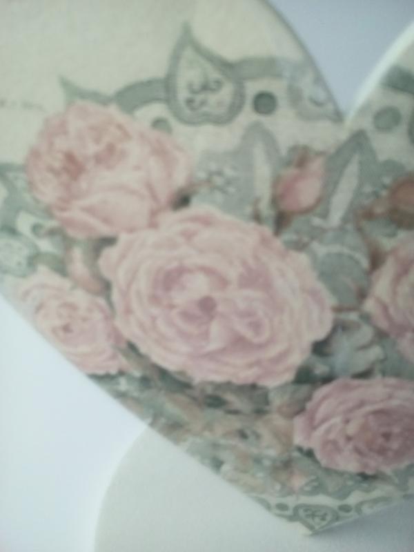 Подставка-сердце с цветами
