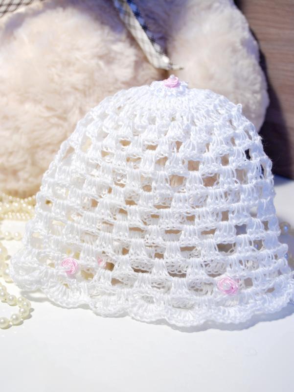 Вязаные ажурные шапочки