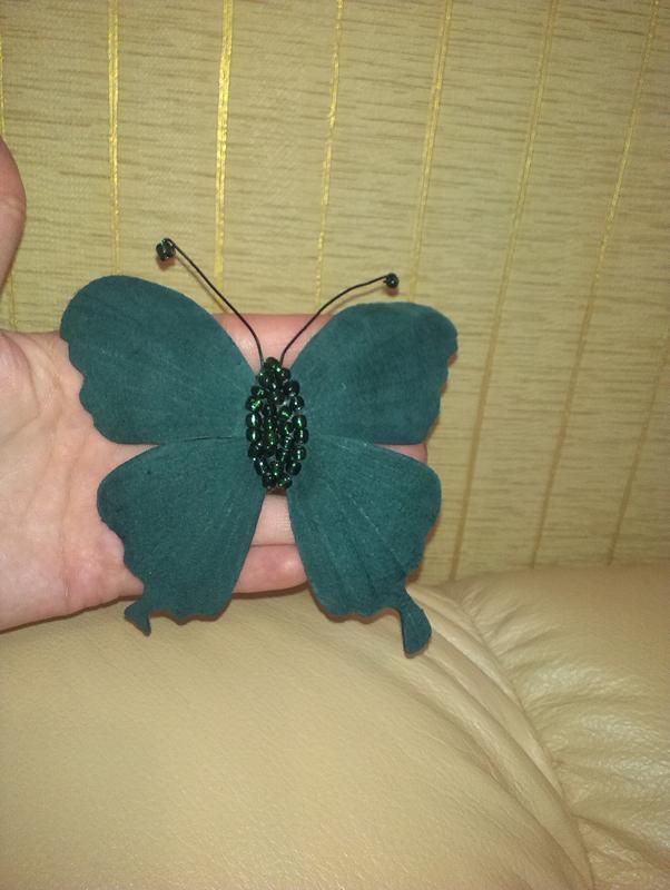 Брошь бабочка из кожи мк