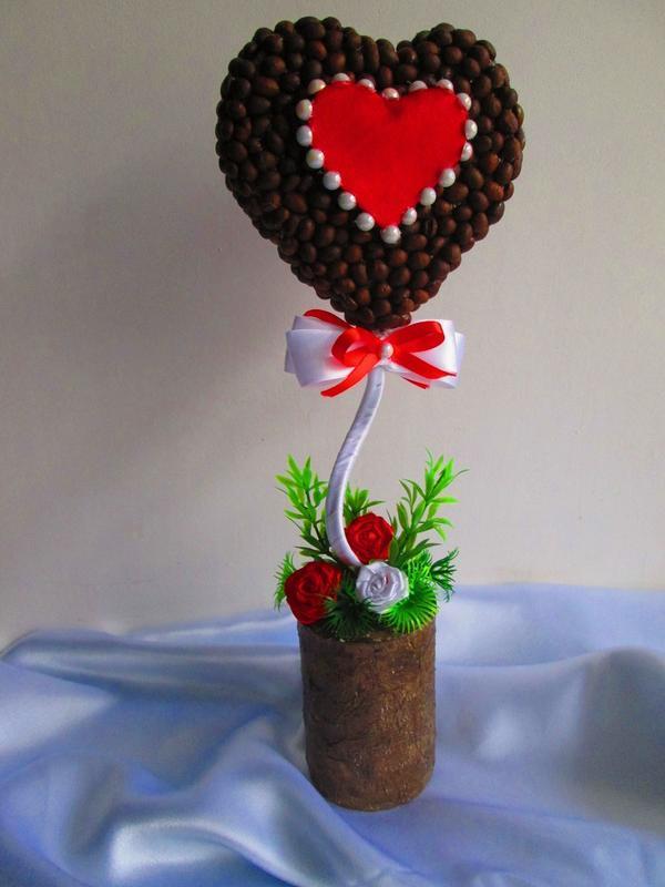 "Топиарий - валентинка ""Для тебя"", кофейное деревце в форме сердца."