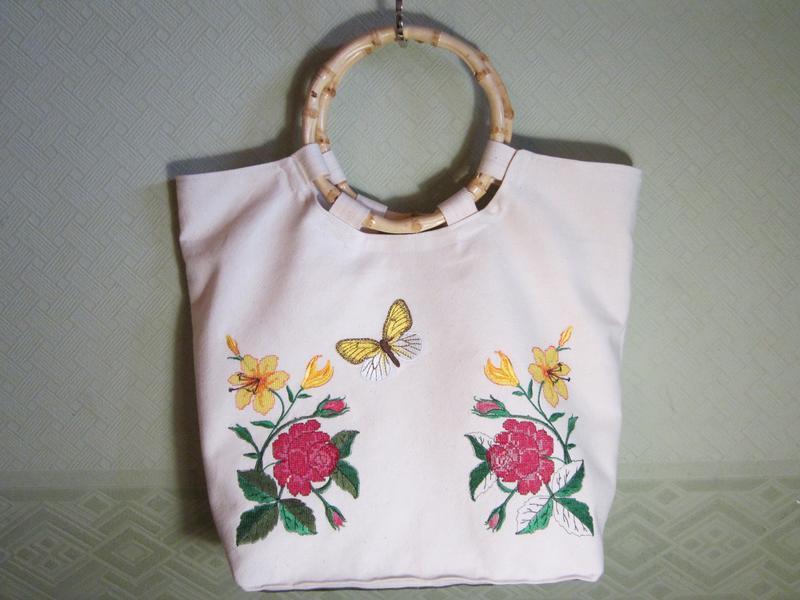 57f2df325a19 Сумка с вышивкой цветы и бабочки/бамбуковые ручки ручной работы ...