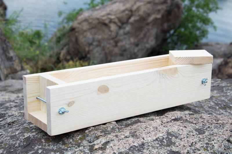 Дерев'яна форма для мила з нуля на 2 кг масел