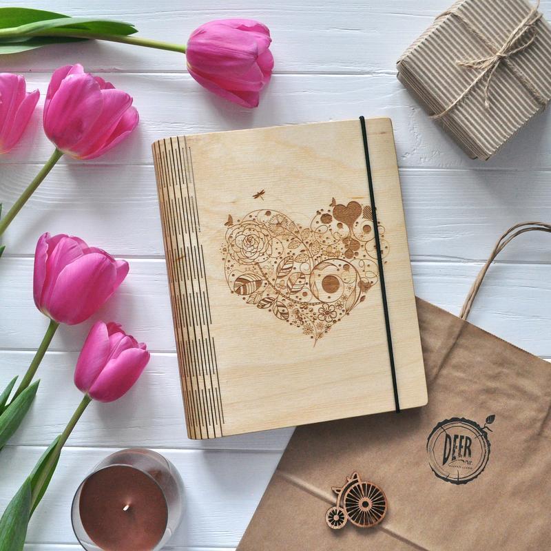 "Блокнот из дерева / Деревянный блокнот / Скетчбук ""Blossom heart"""