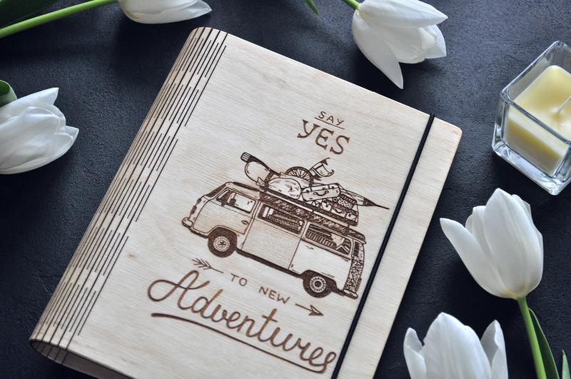 """Блокнот из дерева / Деревянный блокнот / Скетчбук """"Say yes to new adventures"""""""