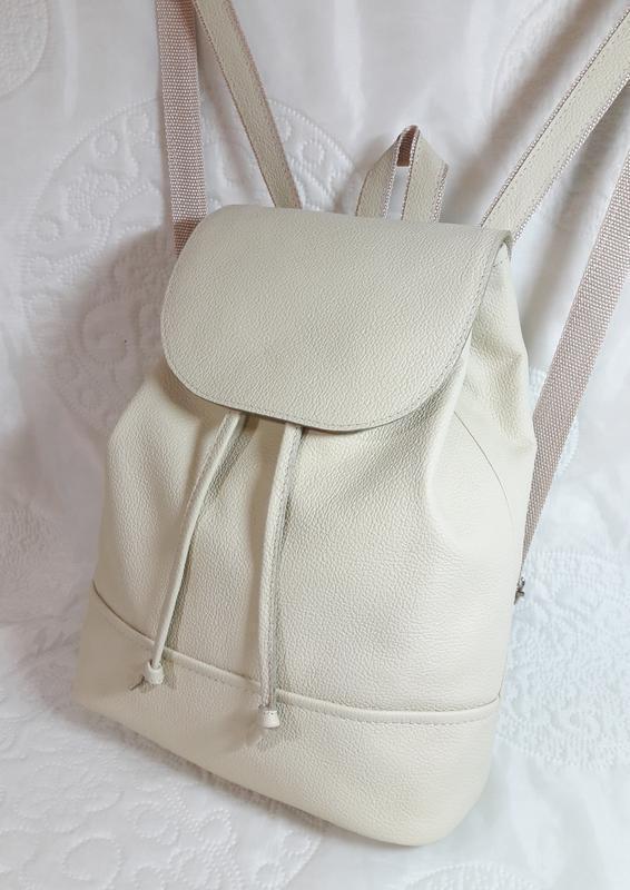 Рюкзак из натуральной кожи.