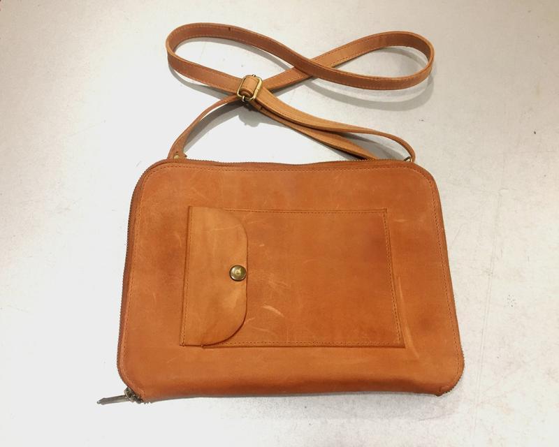 Кожаная сумка органайзер для планшета
